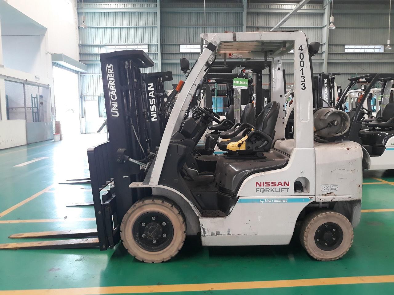 Xe nâng Gas cũ Nissan/ Unicarriers 2.5 tấn - RNF Sing