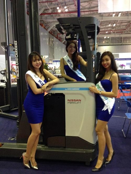 TAN CHONG VN IN VIETFISH 2015 EXHIBITION
