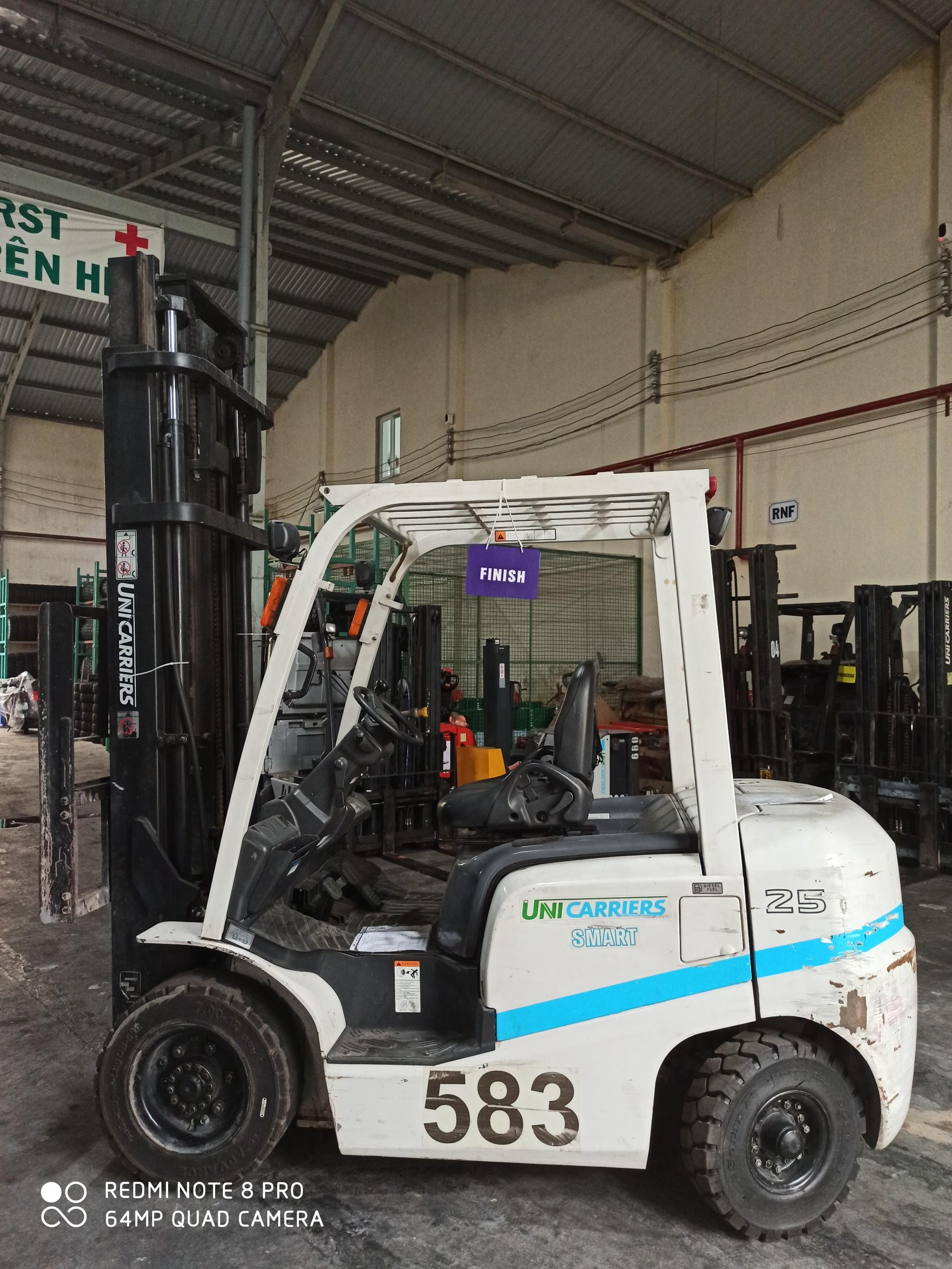 Xe nâng dầu cũ - Hiệu Smart Unicarriers 2.5 tấn - Số 583